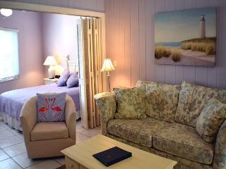 Charming one bedroom cottage in the heart of Sanibel - Sanibel Island vacation rentals