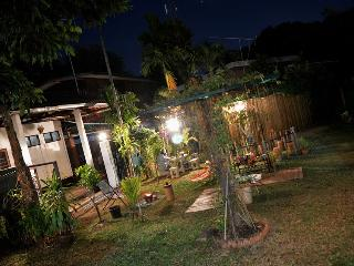 Bright 4 bedroom Guest house in Ubon Ratchathani - Ubon Ratchathani vacation rentals