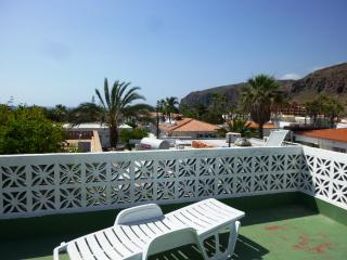 Cottage with 2 bedrooms and a large sun terrace - Palm-Mar vacation rentals