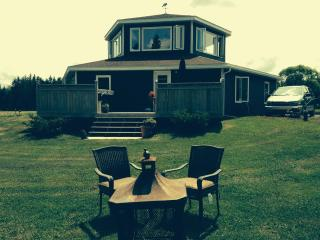 Hexagon House - Canada Select gives us 4 STARS! - Cardigan vacation rentals