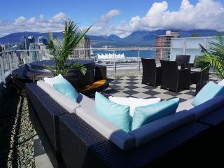 Luxury downtown penthouse w/ amazing deck & hotub - Vancouver vacation rentals