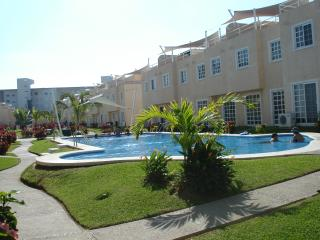 Nice House with Washing Machine and Television - Acapulco vacation rentals