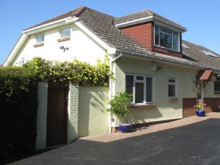 New listing Large 4* 2 bed/2 bath house & garden - Wimborne vacation rentals