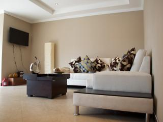 Nice Condo with Internet Access and Toaster - Cuenca vacation rentals