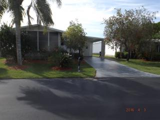 Wonderful 2 bedroom Auburndale House with Central Heating - Auburndale vacation rentals