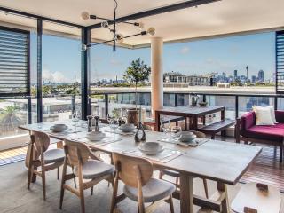 Cumquat Tree Apartment | ViaCurator - Annandale vacation rentals