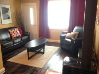 Cozy 2 bedroom House in Crowsnest Pass with Dishwasher - Crowsnest Pass vacation rentals