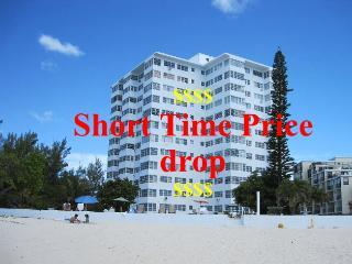 Oceanfront 2 Bdr WiFi A/C 3rd Floor - Freeport vacation rentals