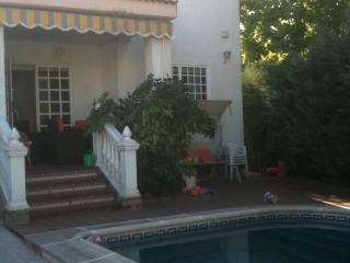 Beautiful white Spanish house with private pool - Sevilla La Nueva vacation rentals