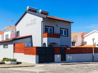 Top Quality House with private Garden and Jacuzzi - Baleal vacation rentals