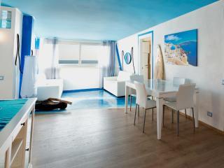 Appartamento SANTORINI - Lido di Ostia vacation rentals