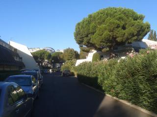 Studio Cabine Terrasse rdc - La Grande-Motte vacation rentals