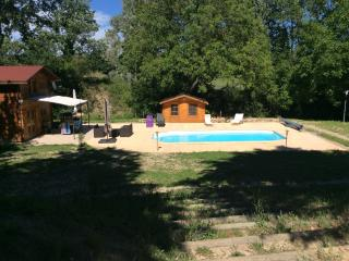 Nice Chalet with Dishwasher and Toaster - Beaumont-de-Pertuis vacation rentals
