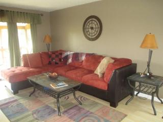 Bright 2 bedroom Bronston Condo with Internet Access - Bronston vacation rentals