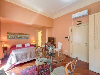 ELEGANT MINI APARTMENT - Rome vacation rentals