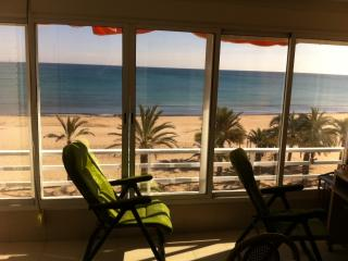 Alicante, studio first line on Beach, Sea at 50 m - Alicante vacation rentals