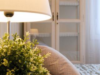 INES::Central, 2steps to surfing beach and pintxos - San Sebastian - Donostia vacation rentals