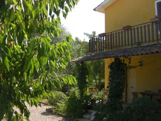 Cozy 2 bedroom Sutri House with Dishwasher - Sutri vacation rentals