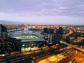 The Skyline one bedroom apartment in Melbourne CBD - Melbourne vacation rentals