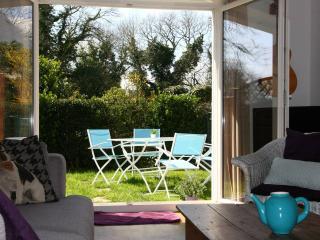Petite maison entre terre et mer - Ploemel vacation rentals