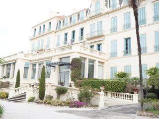 Cannes appartement bourgeois pour 6 personnes. - Cannes vacation rentals