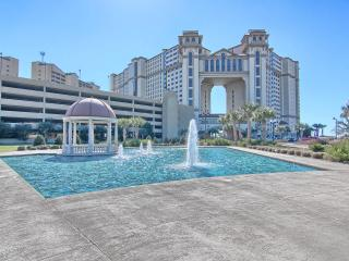 Luxurious Tropical Island Retreat Oceanfront Condo - North Myrtle Beach vacation rentals