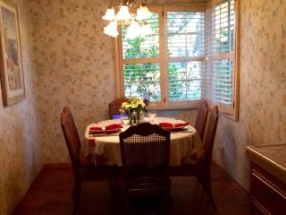 3 bedroom House with Internet Access in San Gabriel - San Gabriel vacation rentals