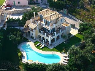 4 bedroom Villa with Washing Machine in Kassiopi - Kassiopi vacation rentals