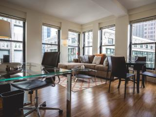 LUXURIOUS AND CHARMING STUDIO APARTMENT - Boston vacation rentals