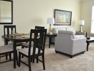 2 bedroom Apartment with Internet Access in Andover - Andover vacation rentals