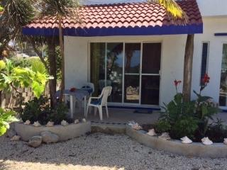 Romantic 1 bedroom Isla Mujeres Apartment with Internet Access - Isla Mujeres vacation rentals