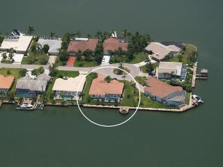 Villa Maria - Eight Lakes, Boatdock with Tiki Hut - Cape Coral vacation rentals