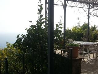 2 Olives Rooms - Charming Romantic Villa - Vernazza vacation rentals