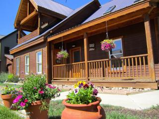 Hottub!Sauna!Firepl!Best Location In Town!BigViews - Crested Butte vacation rentals