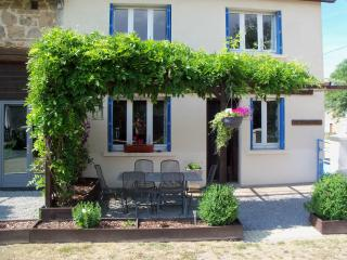 Chez Paille Gites - The Windermere - Cressat vacation rentals