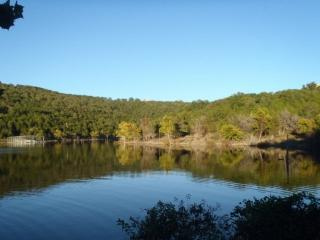 Table Rock Lake 2 Bedroom, Ground Floor Condo just south of Branson...PET FRIENDLY!!.. - Hollister vacation rentals