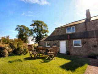 Perfect Cottage with Central Heating and Television - Thropton vacation rentals