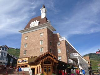 Awesome Ski in/Out, K,Q @Resort Plaza, Pool HotTub - Park City vacation rentals