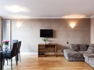 Midway House London - London vacation rentals