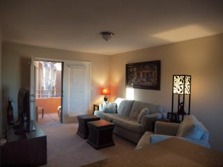 Beautiful Gated Condo near Paradise Valley Mall - Paradise Valley vacation rentals