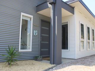Comfortable 3 bedroom House in Low Head - Low Head vacation rentals