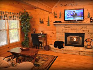 Rustic Elegant Serene Mountain Location 2 BR Cabin - Gatlinburg vacation rentals