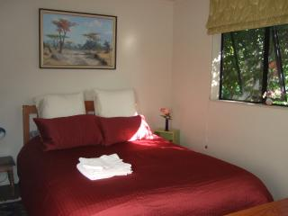 Jade Owl Bed and Breakfast - OWL 1 - Blenheim vacation rentals