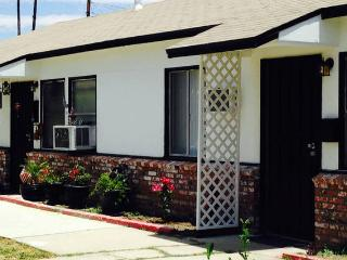 Charming Cozy Cottage - Los Angeles vacation rentals
