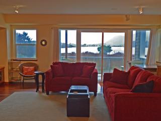 Lakeside Haven - Rockaway Beach vacation rentals