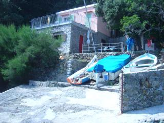 Ilvia 2+2 posti Agriturismo a 5 metri dal mare - Marciana vacation rentals