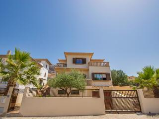Comfortable 4 bedroom Villa in Colonia Sant Pere - Colonia Sant Pere vacation rentals