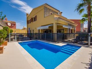 3 bedroom Villa with Internet Access in Cala Ratjada - Cala Ratjada vacation rentals