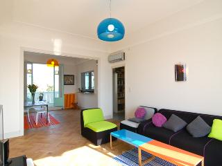 Nice Apartment with Balcony and Central Heating - Nice vacation rentals