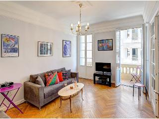 Cozy 2 bedroom Nice Apartment with Balcony - Nice vacation rentals